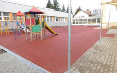 Soproni Német Nemzetiségi Általános Iskola játszótere